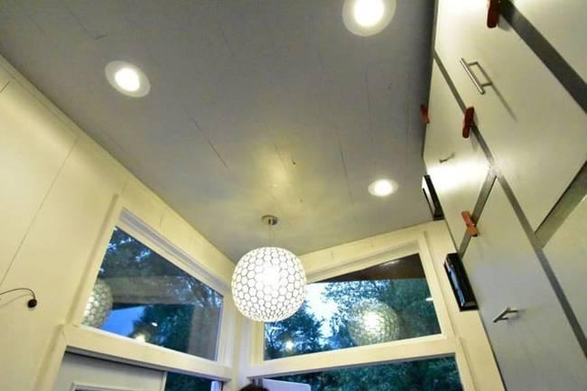 Дизайн интерьера маленького дома: фото. Недостатка в свете и свежем воздухе точно не будет