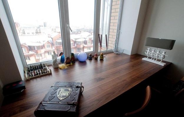 Рабочий стол на подоконнике