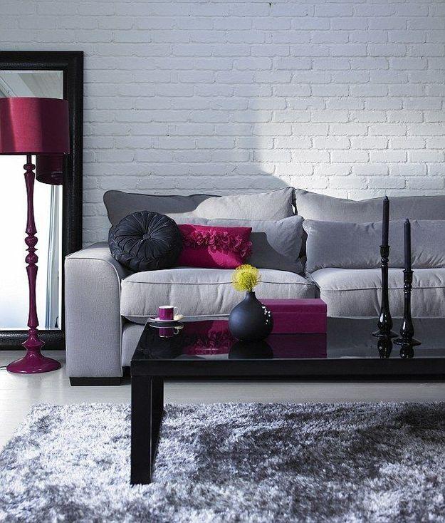 Насыщенные цвета в оформлении гостиной