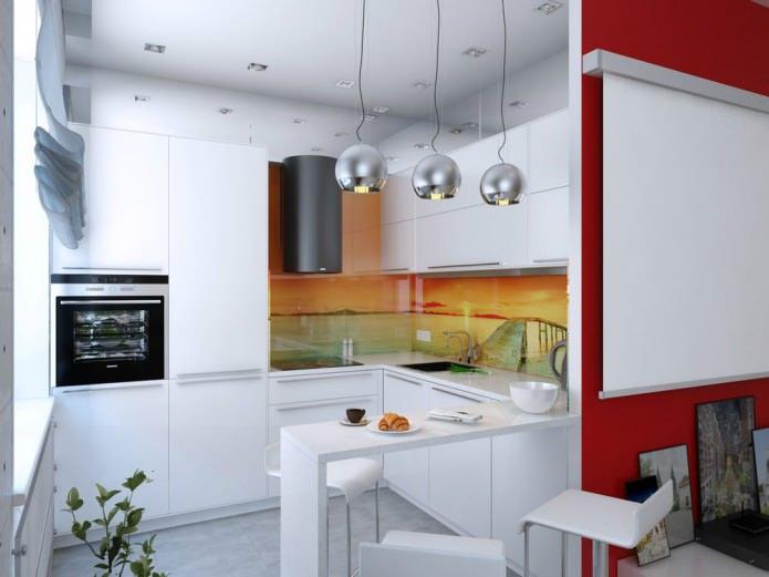 Барная стойка на кухне небольшой квартиры-студии в Киеве