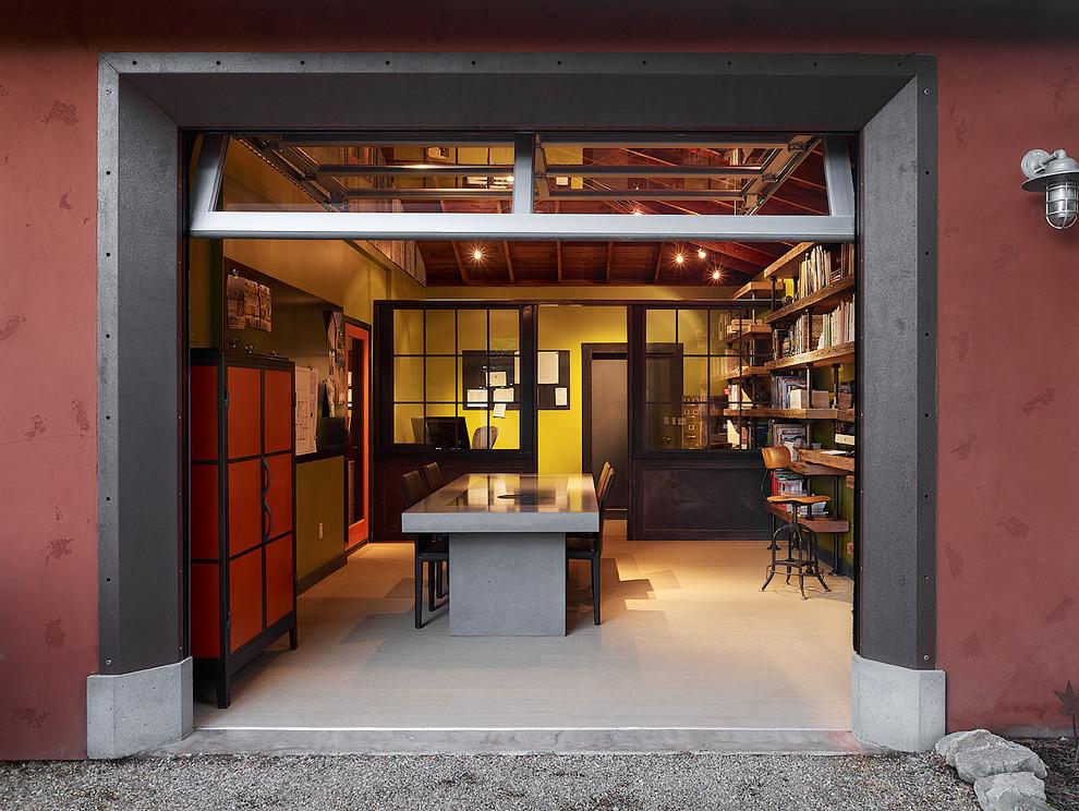 Библиотека в гараже