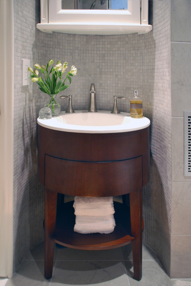 Оригинальный туалетный столик круглой формы