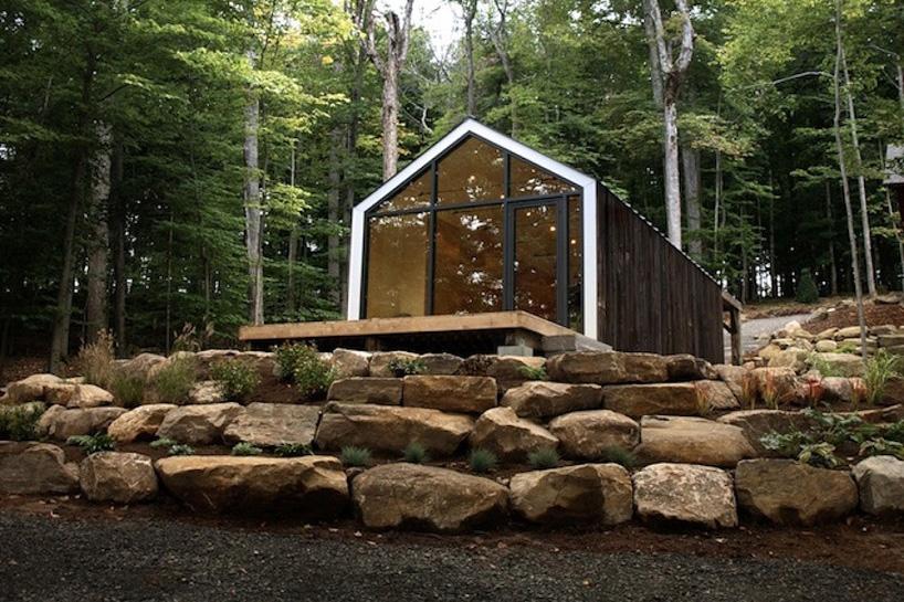 Маленький домик Bunkie в лесу