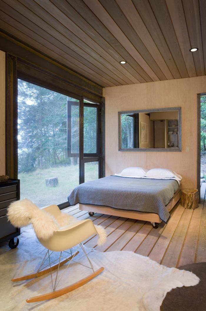 Спальня маленького домика вблизи Сиэтла