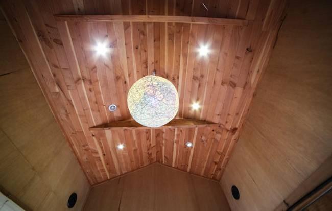 Потолок в очень маленьком доме