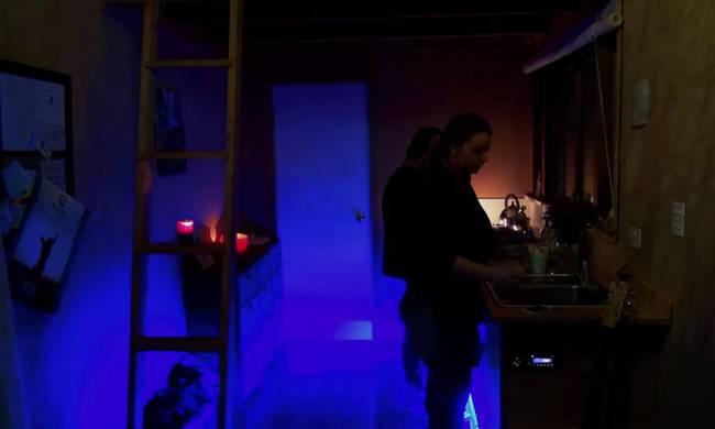 Проект очень маленького дома на колесах: подсветка на кухне