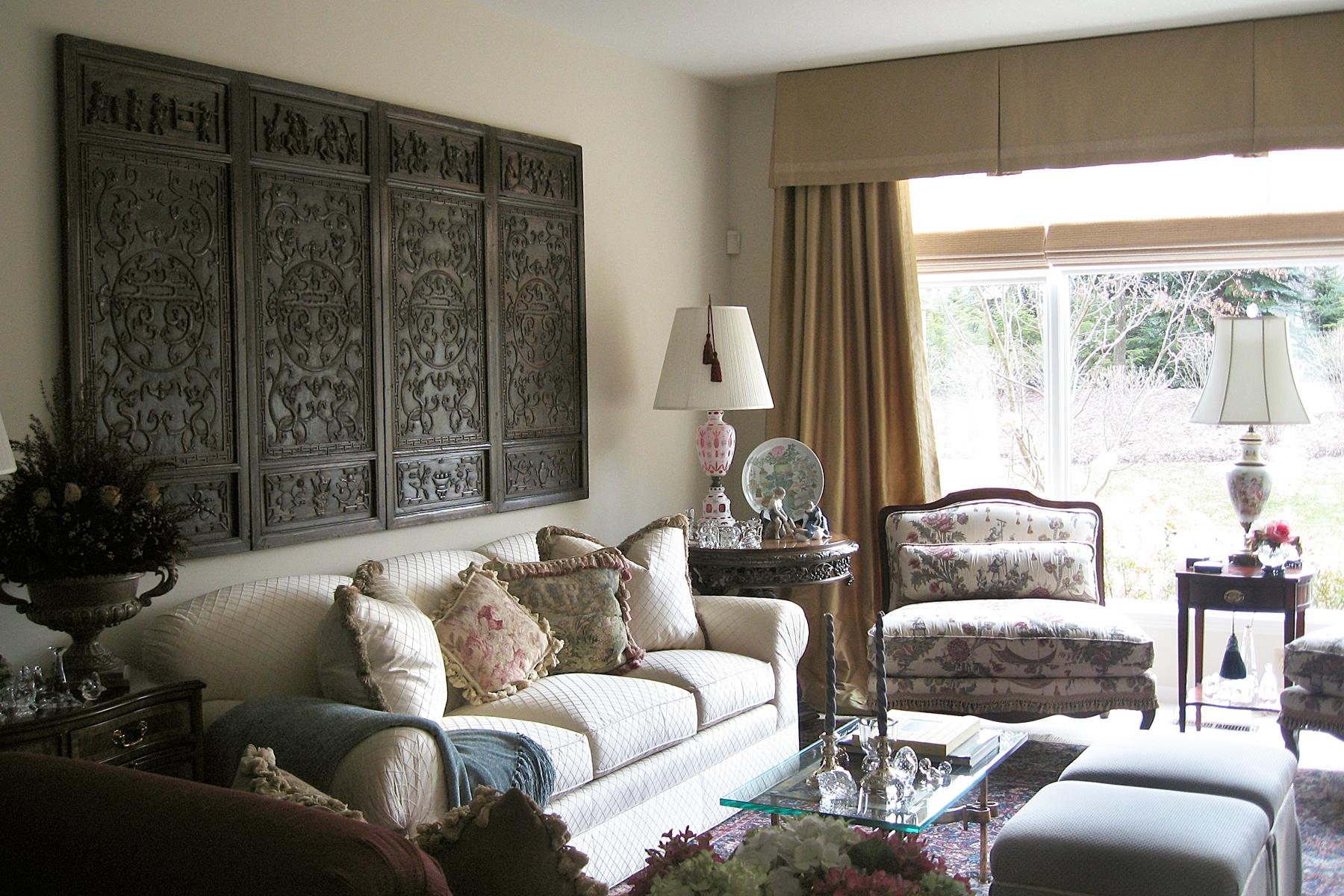 Крупная мебель в маленькой гостиной