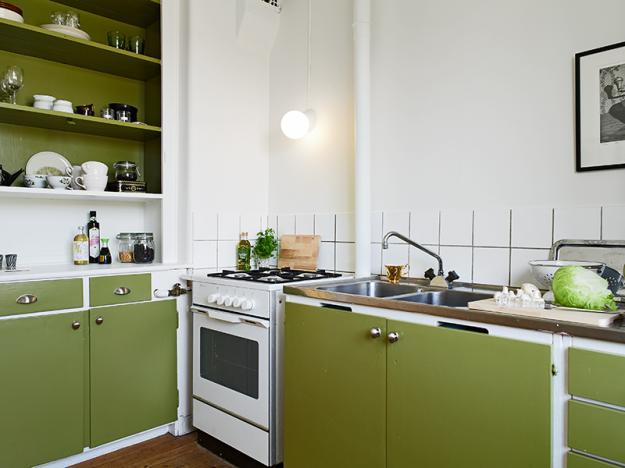 Кухня в бело-оливковой палитре
