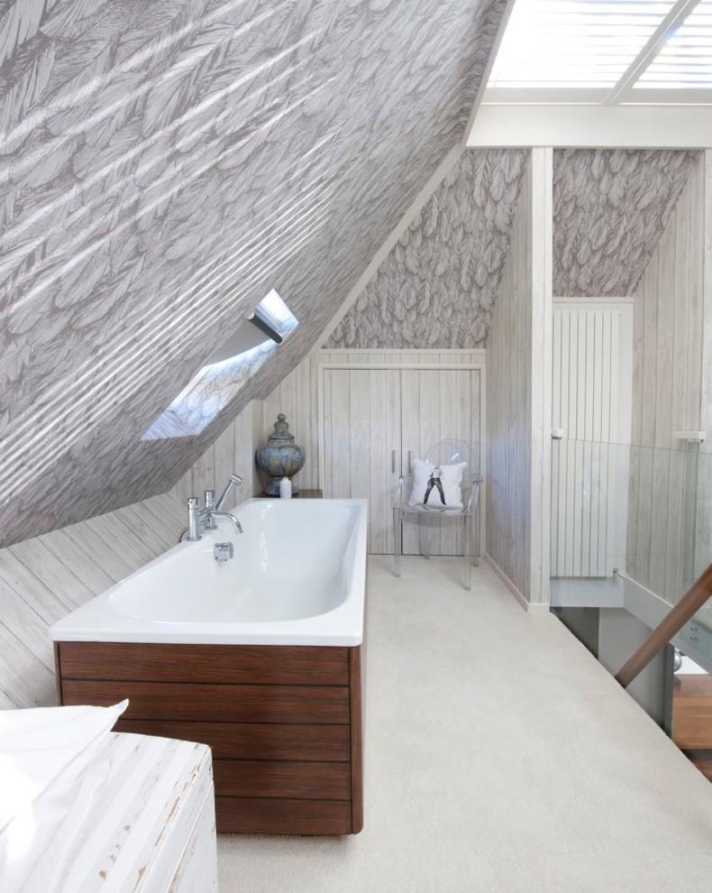 Интерьер ванной в тёмных тонах