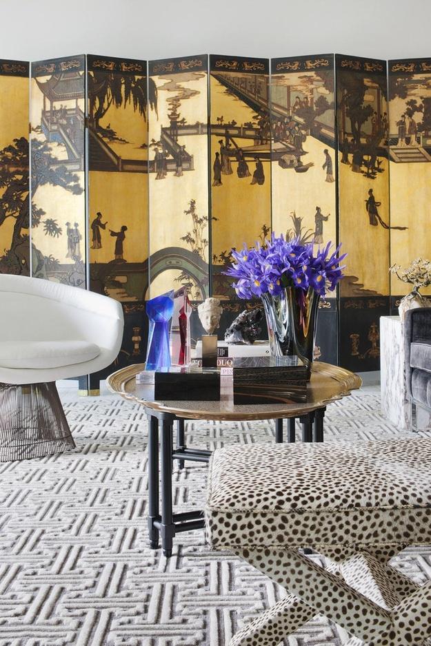 Японская ширма в дизайне интерьера гостиной