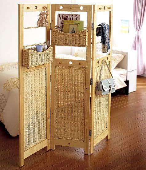 Плетёная ширма в дизайне интерьера спальни