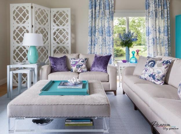 Белая ширма ширма в дизайне интерьера гостиной