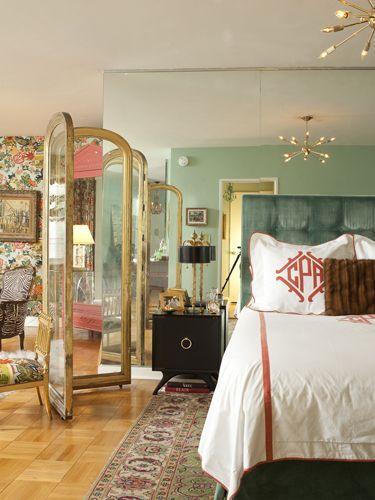 Стеклянная ширма в дизайне интерьера спальни