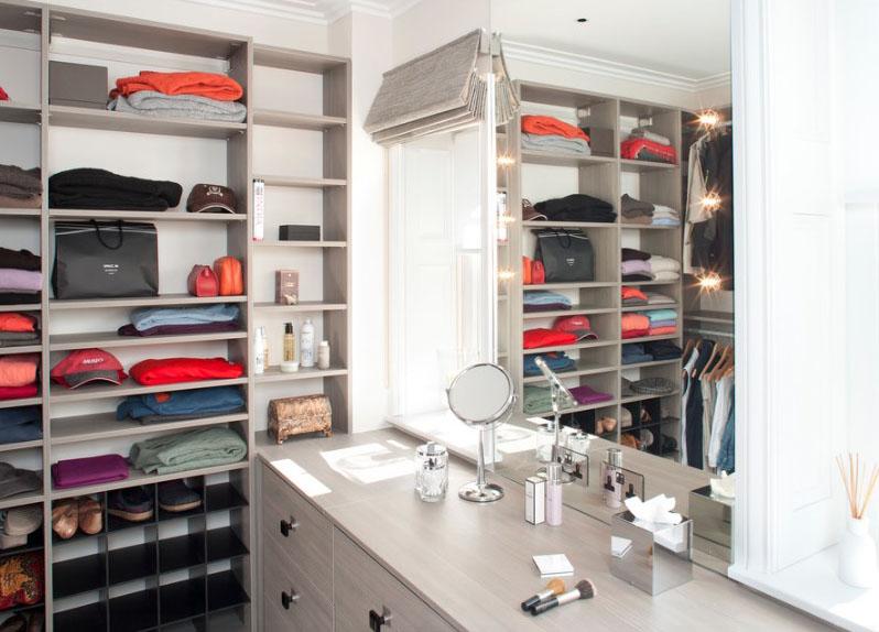 Система хранения одежды с туалетным столиком