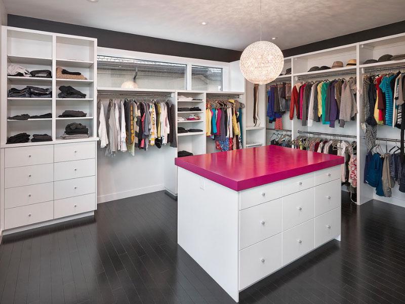 Система хранения одежды с островом