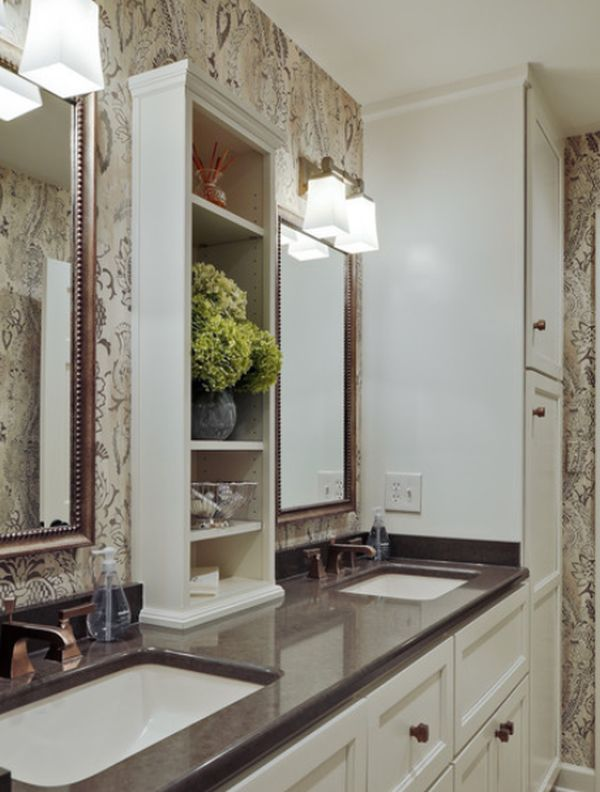 Столешница с двумя встроенными умывальниками в ванной