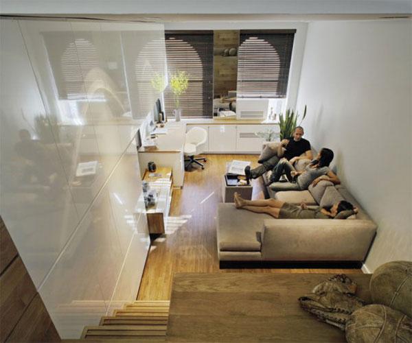 Гостиная двухуровневой квартиры-студии