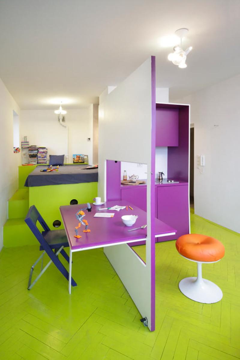 Квартира-студия в ярких цветах