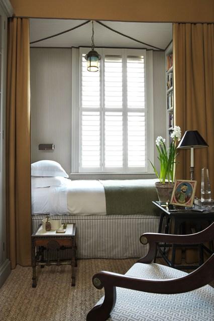 Дизайн спальни в маленькой квартире