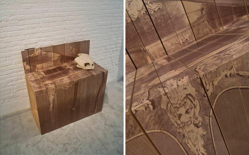 Скамья из раскладных стульев