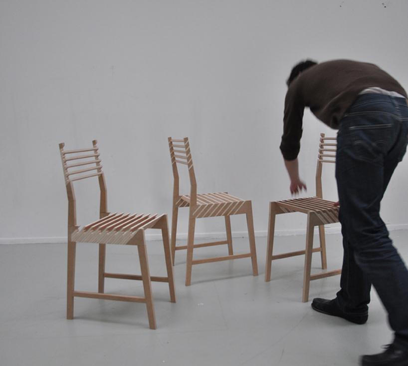 Три складывающихся в один стула