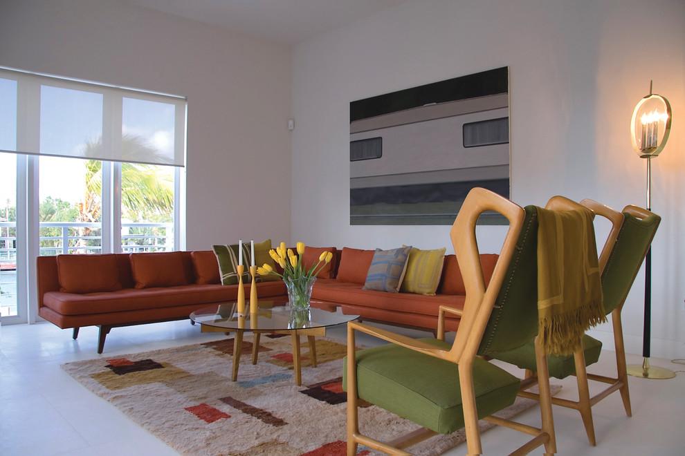 Секционный диван в гостиной