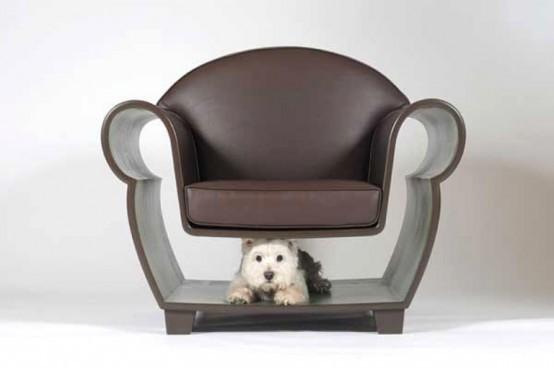 Кресло в нишей под сиденьем