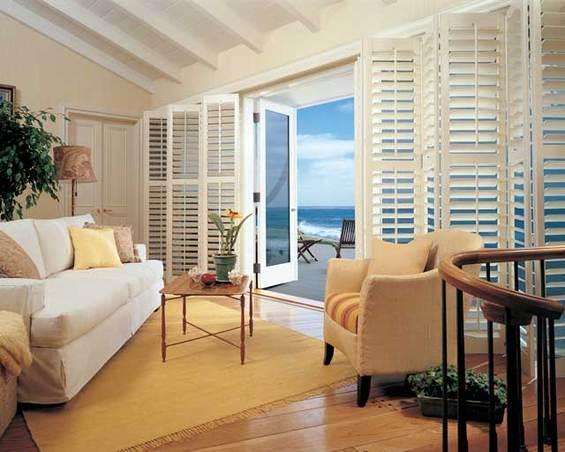 Гостиная с видом на океан