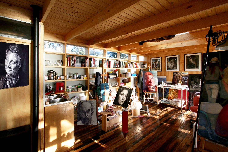 Художественная студия в современном доме