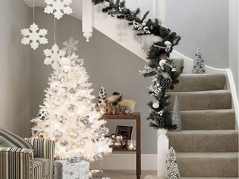 Яркое и современное рождественское украшение - фото 20