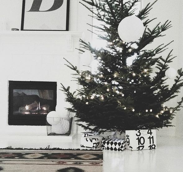 Яркое и современное рождественское украшение - фото 5