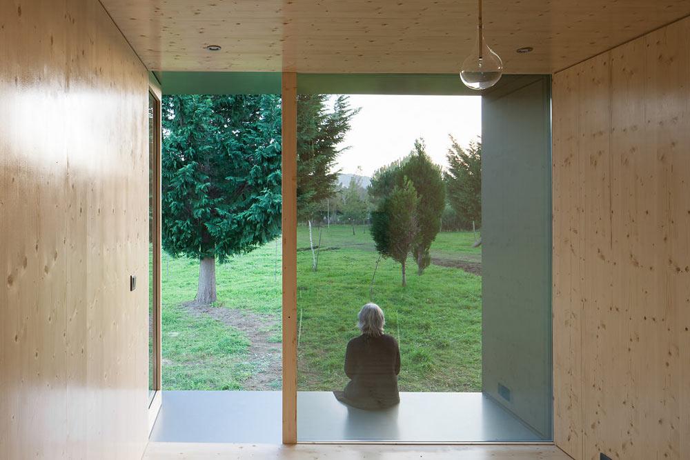 Необычный экстерьер дома. Вид изнутри помещения