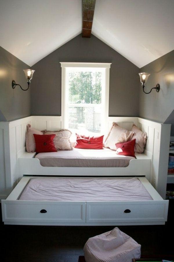 Уютный диван с секретной кроватью