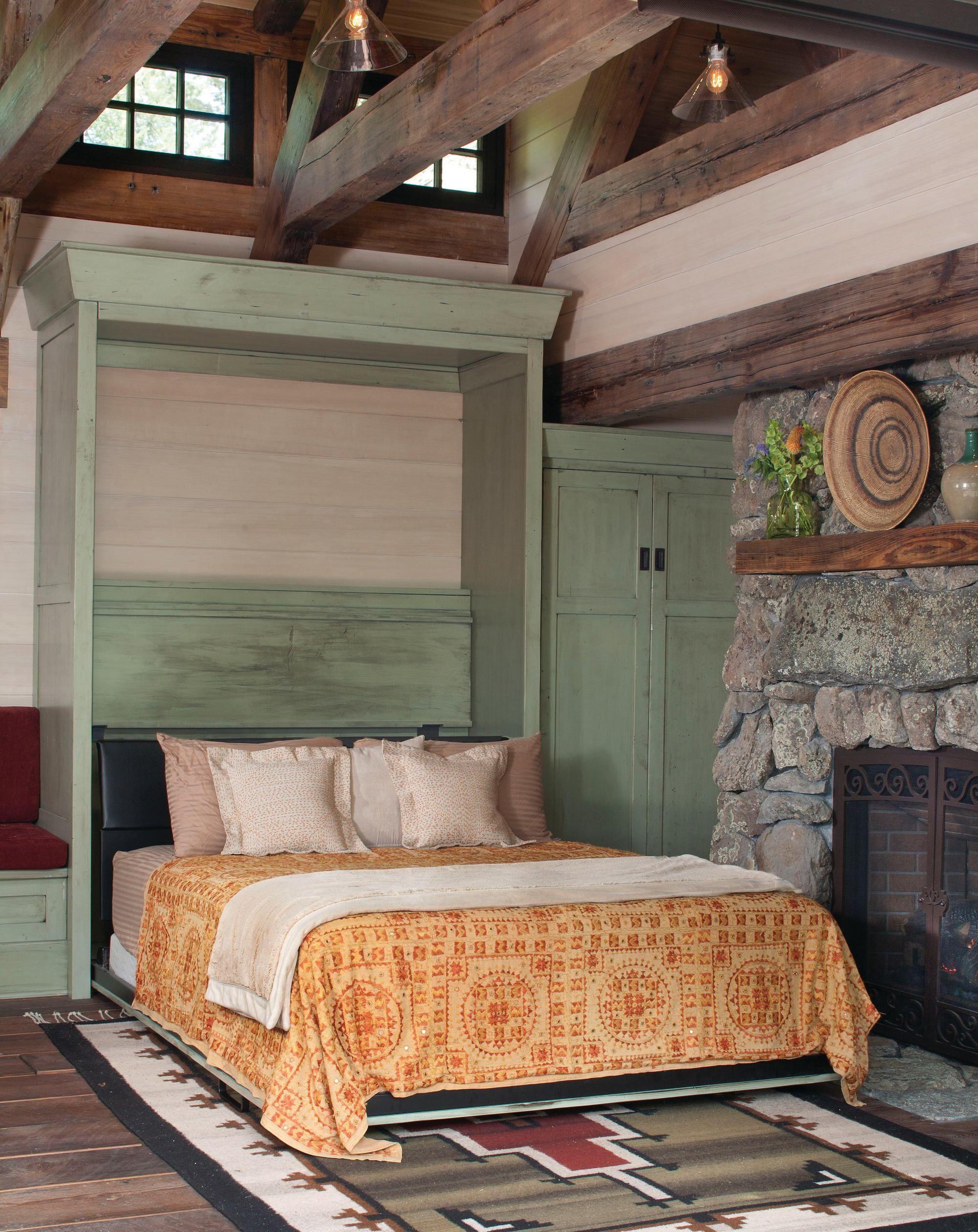 Раскладная кровать Murphy у камина