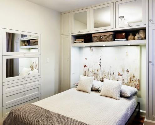 Раскладная кровать в спальне