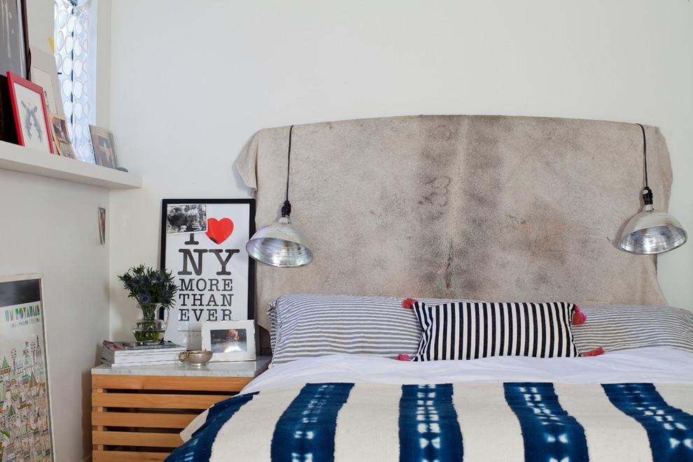 Подвесные светильники на изголовье кровати