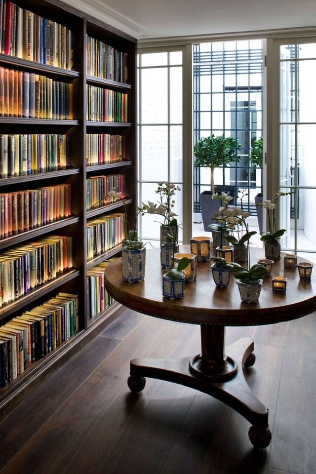 Большие окна в библиотеке