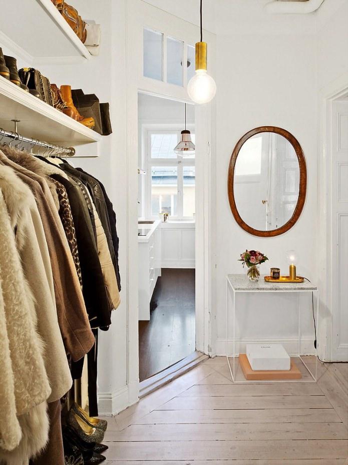 Прихожая квартиры-студии в скандинавском стиле