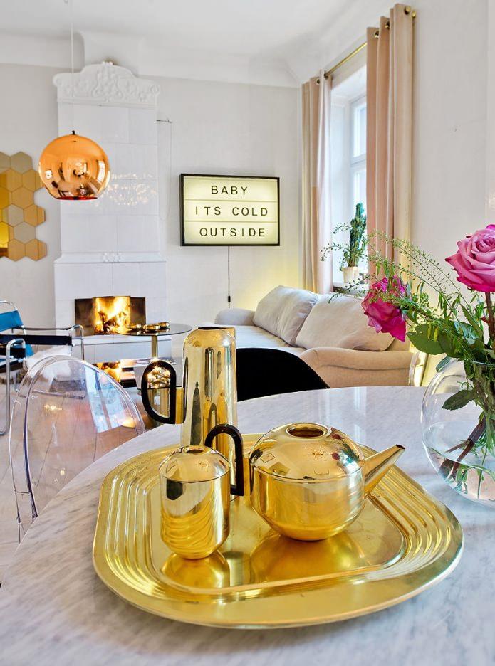 Обеденная зона квартиры-студии в скандинавском стиле