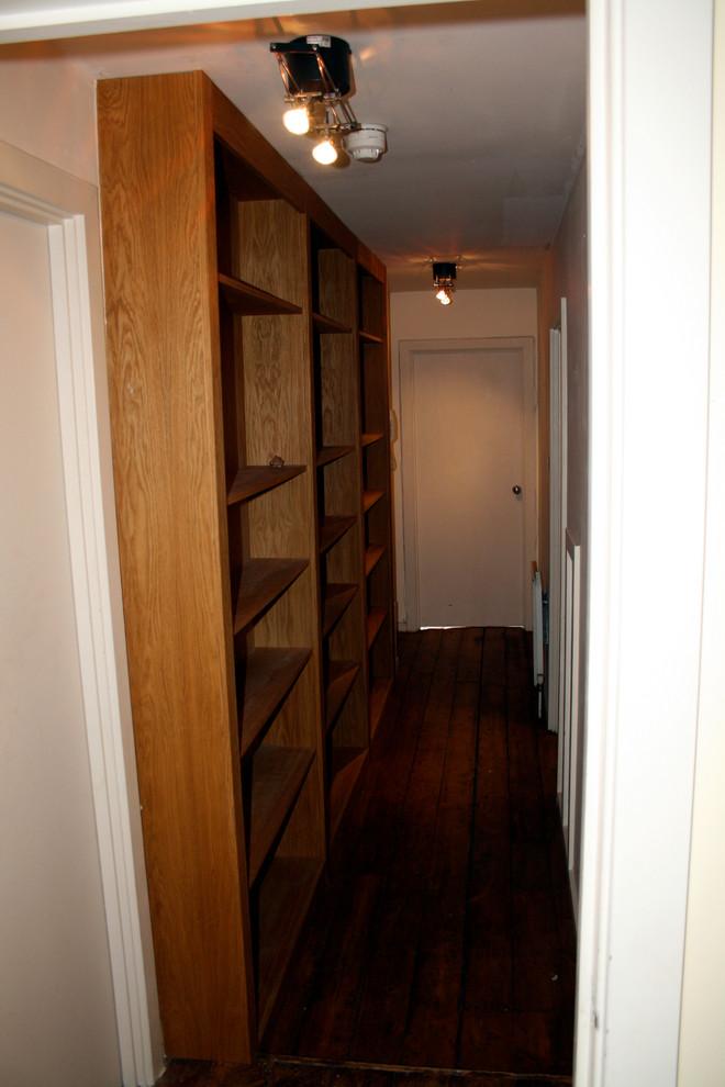Коридор маленькой квартиры до ремонта