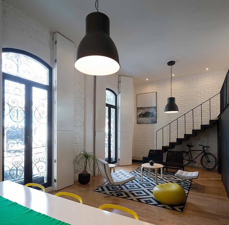 Естественное освещение в маленькой однокомнатной квартире