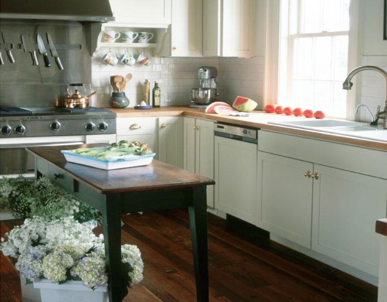Узкий кухонный остров