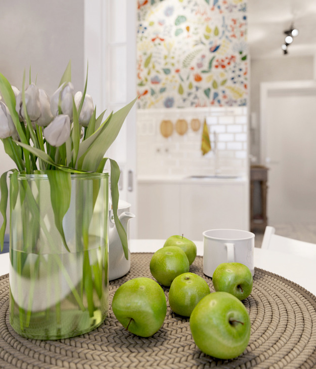 Букет тюльпанов и яблоки
