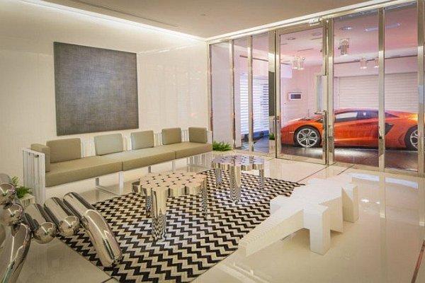 Стильный интерьер гаража
