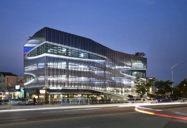 Парковочное здание в Южной Корее