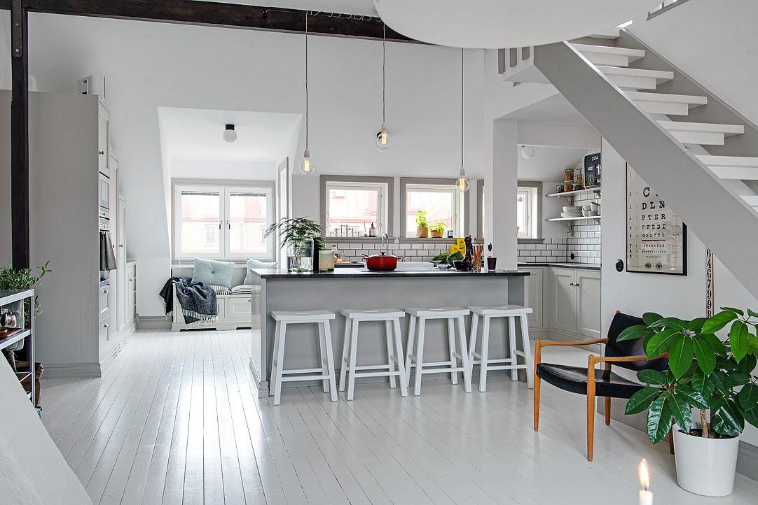 Белый цвет в интерьере маленького дома