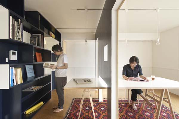 Перегородка между библиотекой и комнатой