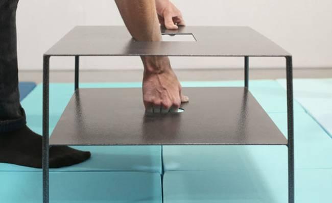 Универсальная подушка: стол с удобными держателями