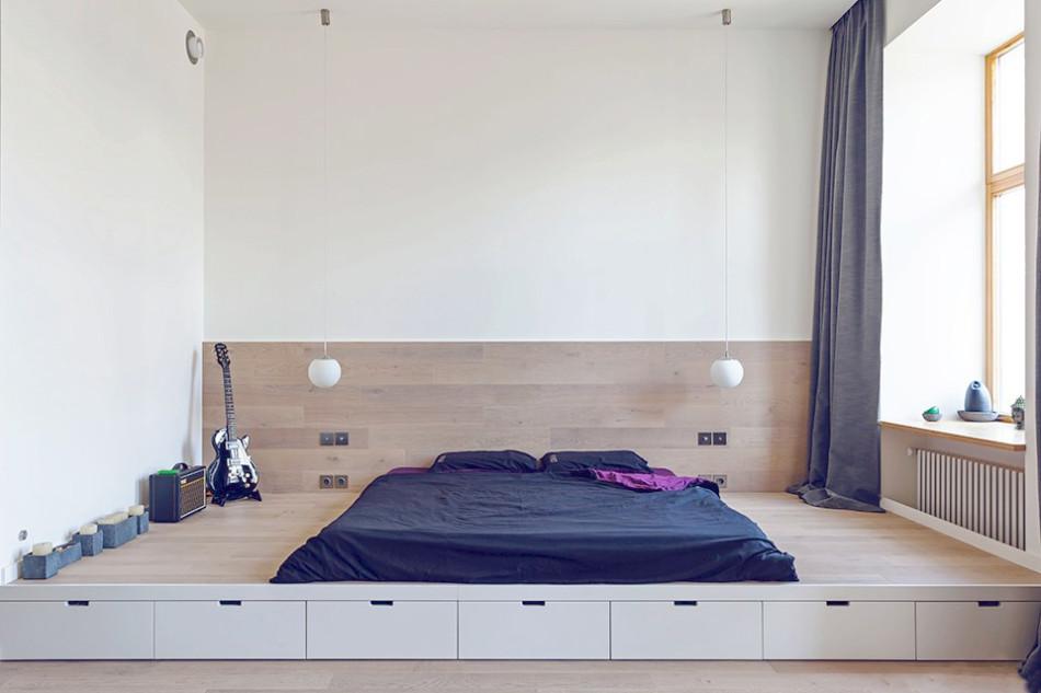 Оригинальное спальное место в однокомнатной квартире