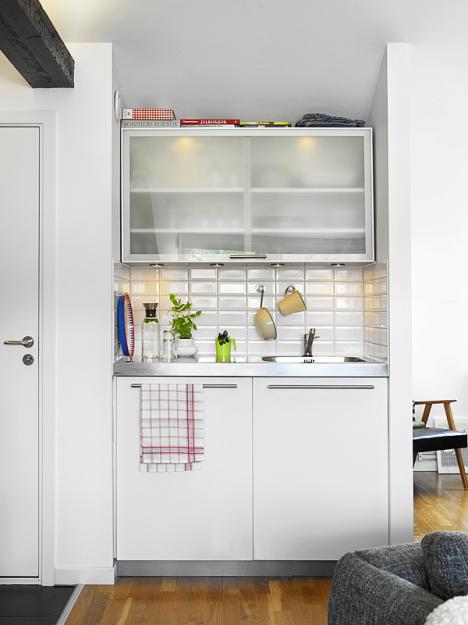 Кухонная мойка и антресоль